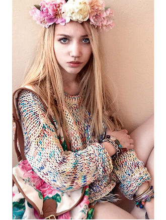 sweater fashion vintage model vogue jewels jewerly bag hat heart coachella flower crown