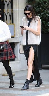 vest,fur vest,faux fur vest,kendall jenner,streetstyle,fashion week 2014,coat,white fur vest