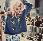 sweater,blue,arrow,pastel,cute,weheartit,sweatshirt,vintage,lovely,nice,sweet,pink hair,curly hair,hair/makeup inspo