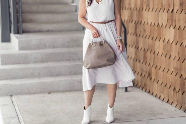 live more beautifully blogger dress shoes jewels bag white dress ankle boots summer outfits