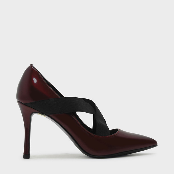 cross pumps red shoes