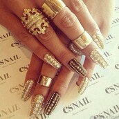 jewels,gold,ring,diamonds,crown,nail accessories,nail polish,black and gold,gold ring,bling,nail art,knuckle ring,crown ring,trendy,fashion,clothes horse