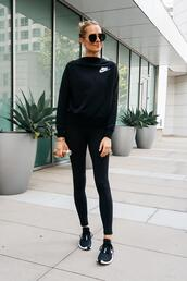 fashionjackson,blogger,sweater,leggings,shoes,sunglasses