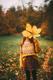 the clothes,blogger,sweater,skirt,yellow sweater,button up skirt,fall outfits