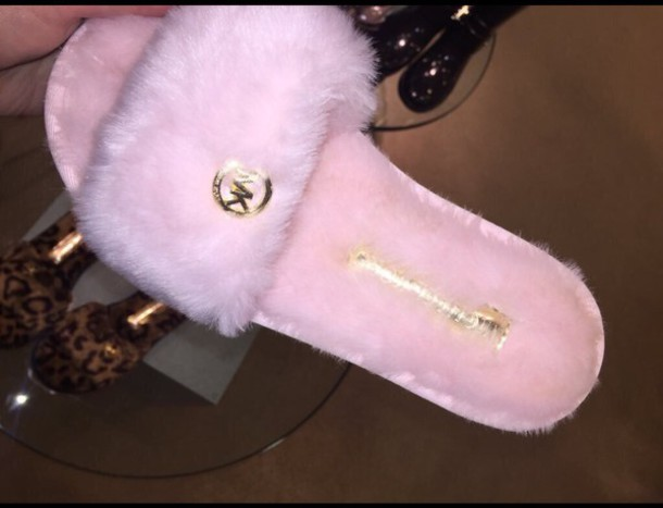 Pink Michael Kors Fuzzy Slippers Saffiano Leather Fulton