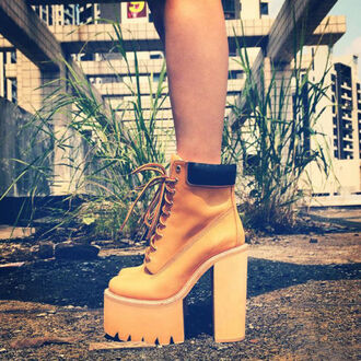 shoes platform shoes boots lace up camel camel boots lace up boots chunky chunky sole cleated sole cleated sole platforms wedges