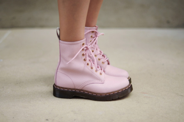 shoes boots shoes pink light pink laces pink laces DrMartens grunge pastel hipster soft grunge pastel grunge pink shoes DrMartens wetseal DrMartens cute girl summer combat boots pink combat boots goth pastel goth shorts combat boots doc marten