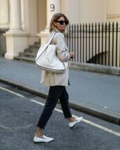 bag,shoulder bag,white bag,jeans,flats,coat,black sunglasses