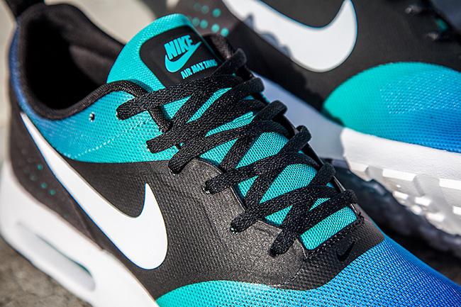 Nike Air Max Tavas Red Footlocker