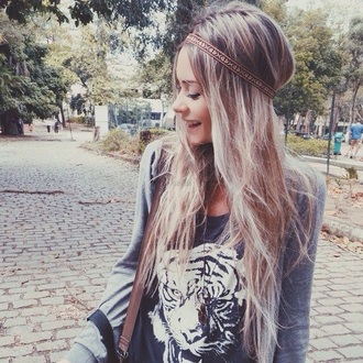shirt style t-shirt blouse tiger print black t-shirt black and white grey sweater sweater bag brown bag hair band aztec print blonde hair cute aztec christmas sweater cute hair accessories