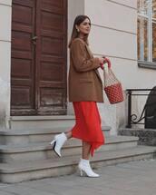 shoes,white boots,ankle boots,high heels boots,skirt,asymmetrical skirt,handbag,basket bag,blazer,wool,earrings