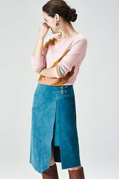 skirt,blue suede skirt,blue skirt,suede skirt,midi skirt,top,pink top,boots,brown boots,statement earrings,earrings