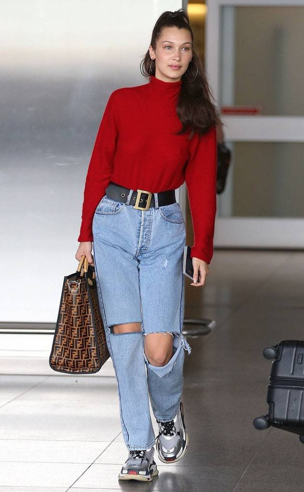 sweater jeans denim sneakers bella hadid turtleneck streetstyle casual model off-duty