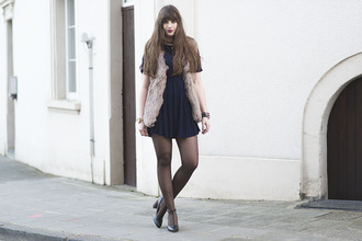 andy sparkles blogger jacket dress tights shoes jewels
