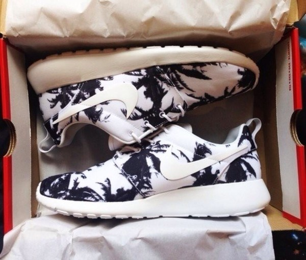 shoes roshe-run nike roshe run palmtree print nike printed nike nike roshe run palm tree print black and white trainers roshe runs nike running tennis shoes nike sneakers