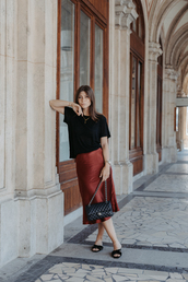 skirt,silk,midi skirt,red skirt,slide shoes,black blouse,black bag