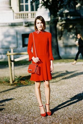 vanessa jackman blogger t-shirt red dress collar red bag collared dress