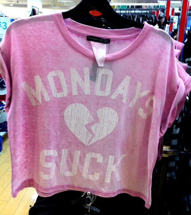 T shirt Mondays Suck - vinted.pl