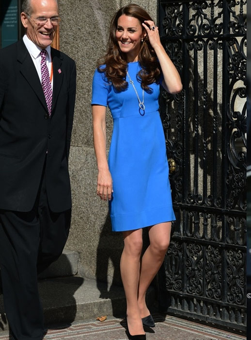 Kate middleton in blue slim
