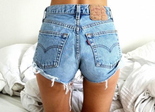 HOUR SALE Levi's Brand High Waisted denim shorts by queendenim