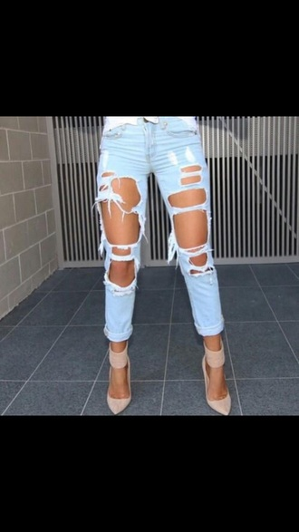 jeans shoes ripped off white wash sexy jeans long jeans skinny jeans ripped jeans blue light blue blue jeans light blue jeans heels high heels light blue boyfriend jeans
