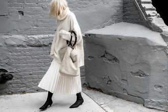 figtny blogger skirt sweater shoes bag sunglasses pleated skirt boots oversized sweater winter outfits