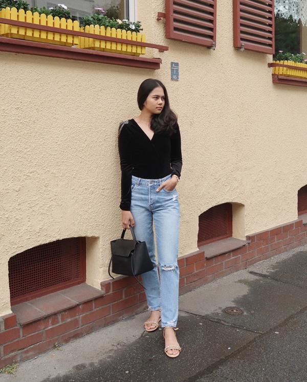 jeans denim top black top bag shoes