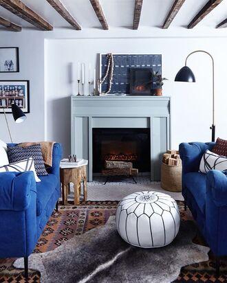 hat tumblr home decor furniture home furniture living room sofa blue rug lamp fireplace pillow boho boho chic beach house