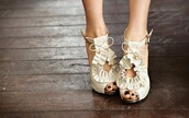 high heels,shoes,girly,beige,white shoes,brown shoes