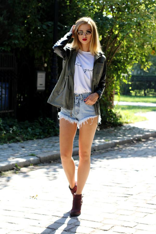 beauty fashion shopping blogger t-shirt jacket shoes sunglasses denim shorts