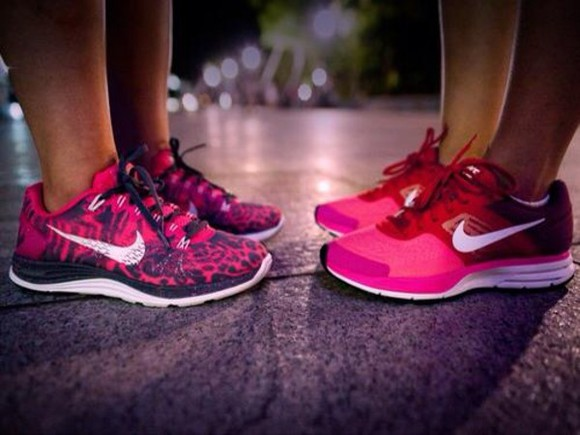 pink shoes nike panther black baskets rose free run