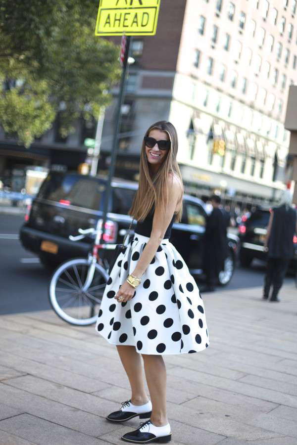 b a r t a b a c blogger top bag sunglasses skirt shoes