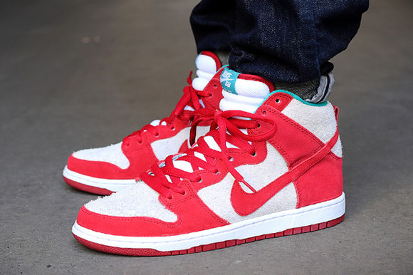 red white sneakers nike nikesneakers