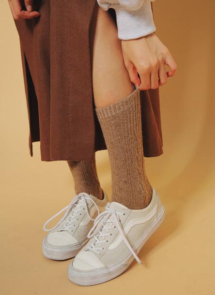 ef4ab22a3dd114 shoes shoes sneakers sneaks vans old skool girl boy old school white beige  cool girly girl