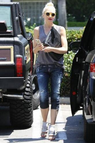 jeans top sandals gwen stefani sunglasses