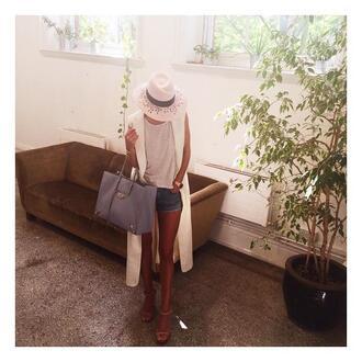 shorts vest hat instagram rosie huntington-whiteley summer outfits sandals