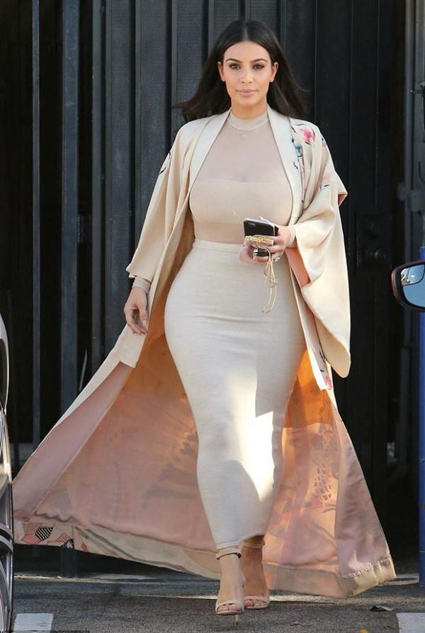 c52b17c09303 skirt top maxi skirt bodycon kim kardashian kardashians nude bodysuit coat  duster coat kimono shoes