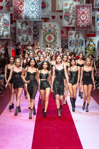 dress bodycon dress mini dress black dress runway model milan fashion week 2017 hailey baldwin sara sampaio elsa hosk dolce and gabbana bustier bustier dress black