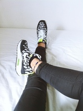 shoes,nike air max 1,air max,nike,black and white,fluo,beautiful,sportswear,sports shoes,black,white,neon,pattern,patterned shoes