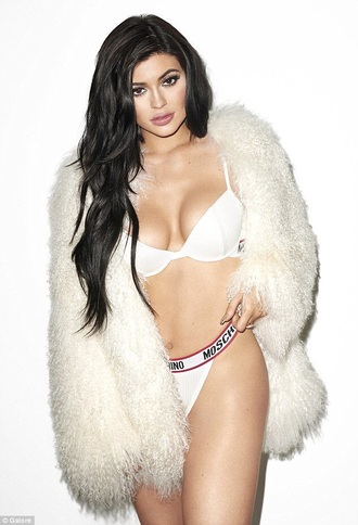 underwear moshino fashion toast fashion vibe fashion kylie jenner kardashians matching set 2 piece skirt set tumblr tumblr outfit tumblr girl tumblr clothes bra bralette calvin klein underwear matching skirt and top lingerie white white lace fur fur coat sexy