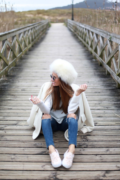 b a r t a b a c blogger coat sweater jeans bag sunglasses hat