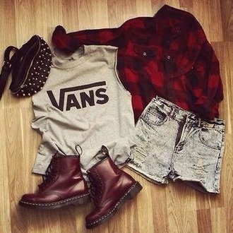 shirt black and red shirt cool style black and red diy vans trendy drmartens flannel shirt flannel grunge tumblr acid wash acid wash jeans hot pants shorts jeans shorts jeans coat hat shoes