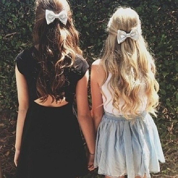 cute fashion girly dress pretty bows teens celebrity teens blonde hair long hair short dress swag teen fashion