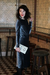 samieze,blogger,dress,jewels,bag,velvet dress,cocktail dress,midi dress,clutch
