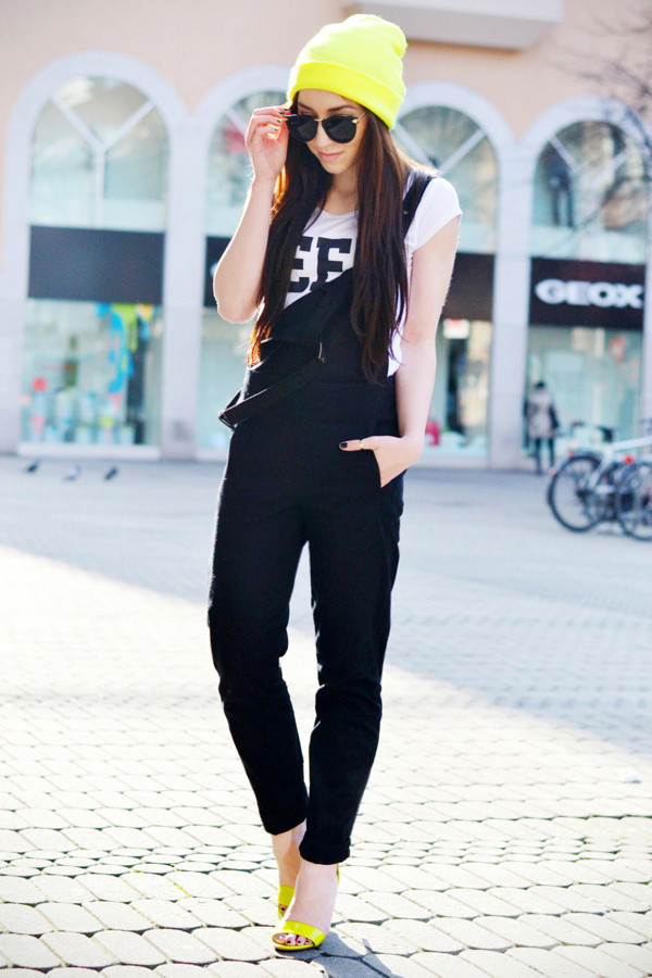 flirting with fashion shirt jewels shoes hat sunglasses