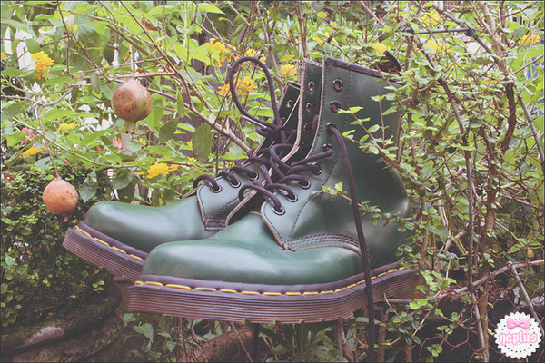 shoes DrMartens dr marten boots army green green pine green vintage england hipster punk