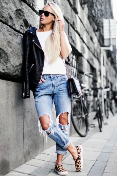 jeans ripped jeans leather jacket style streetwear stylewear edgy www.ebonylace.net ebonylacefashion ebonylace