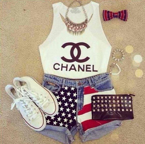 chanel tank top tank clothes shirt tshirt american flag converse shorts jewlery bows jeans t-shirt chanel t-shirt chuck taylor all stars american flag shorts jeans shorts denim shorts acessories vintage girly casual casual look casual outfit jacket shoes highwaisted shorts chanel tank top chanel muscle shirt