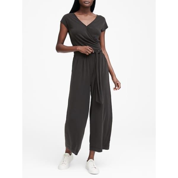 Banana Republic Women's Sandwash Modal Cropped Jumpsuit Black Regular Size 4