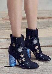 shoes,galaxy print,space,stars,blue shoes,navy,mid heel boots,science,Valentino,magic